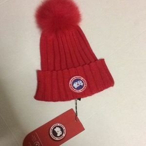 Canada Goose Knit hat Red ReAl fur top